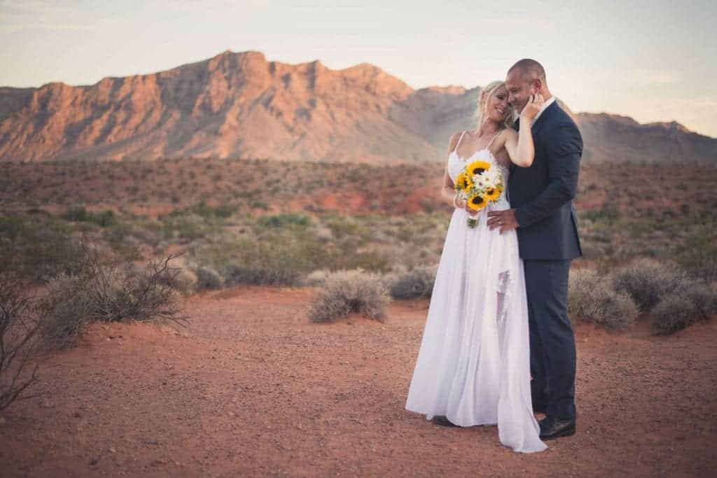 Valley of Fire Wedding Package - Weddings in Las Vegas