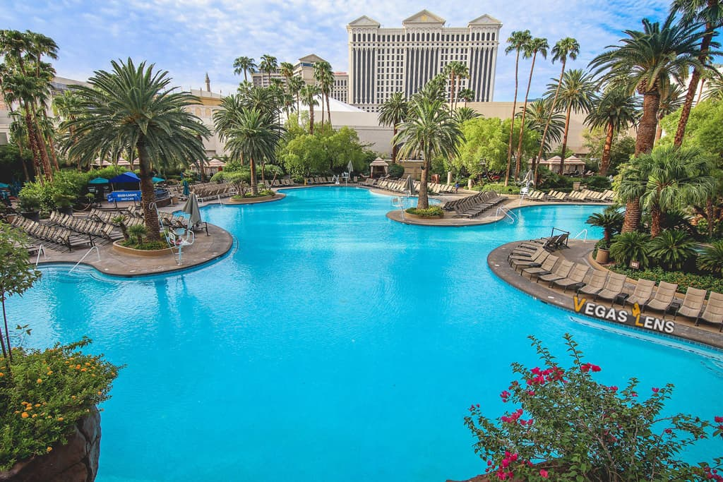 The Mirage Pool - Best pools in Vegas