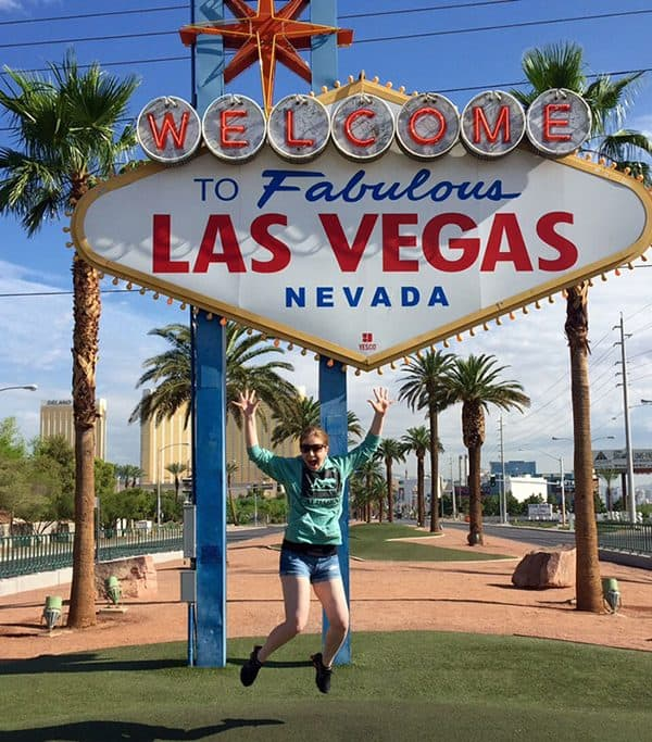 The Las Vegas Sign - Things to do in Las Vegas for Teens
