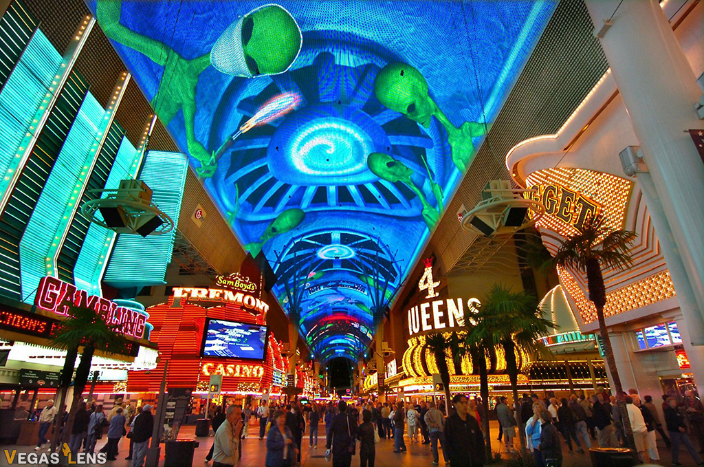 Viva Vision Light Show - Things to do in Vegas under 18